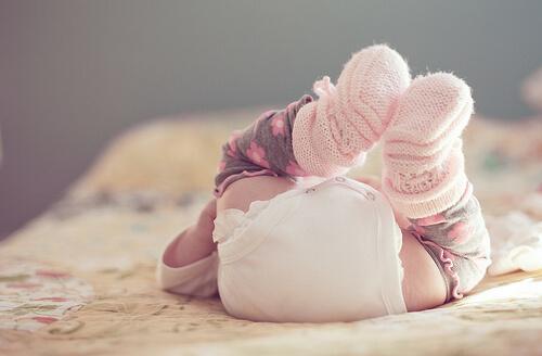 【トイトレSTEP1】生後10ヶ月でトイレでおしっこ・うんちをするのに成功した方法