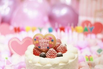 1歳の誕生日に!生クリーム不使用でも豪華に見える離乳食バースデーケーキ