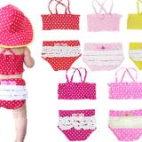 0歳1歳2歳の水着のサイズ選び方!ラッシュガードは半袖長袖どちらがいい?