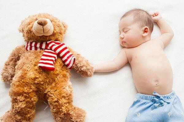 意外と知らない夜泣きの5つの原因!ジーナ式でも例外的に起きるのはどんな時?